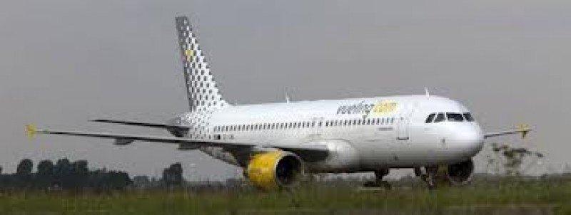Vueling envió un nuevo avión para recoger a los pasajeros.