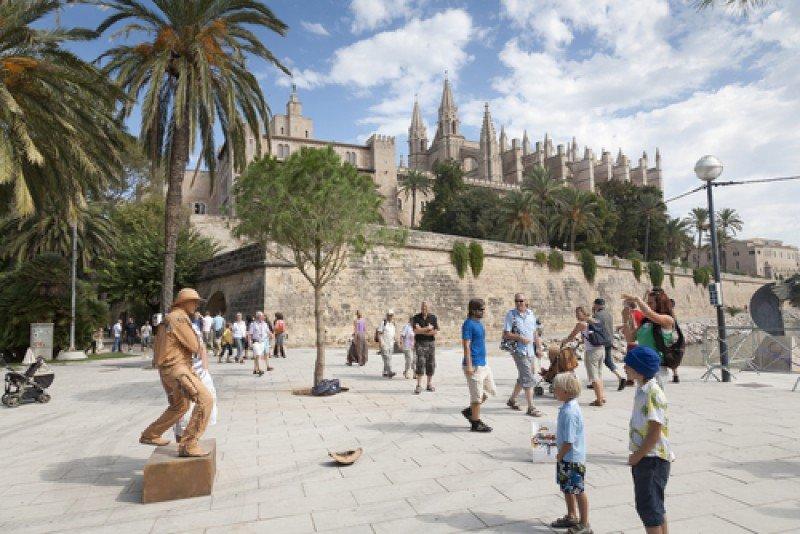 Turistas en Palma de Mallorca. #shu#