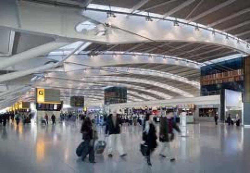Heathrow mejora su volumen de pasajeros.