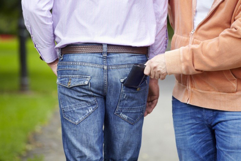 Más de la mitad de los españoles desconfía de la seguridad en zonas turísticas #shu#