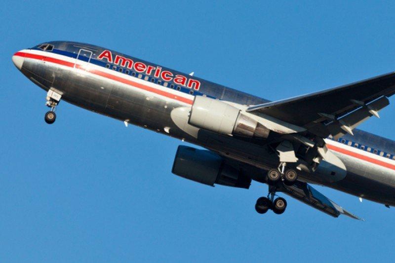 EEUU bloquea la fusión de American Airlines y US Airways. #shu#