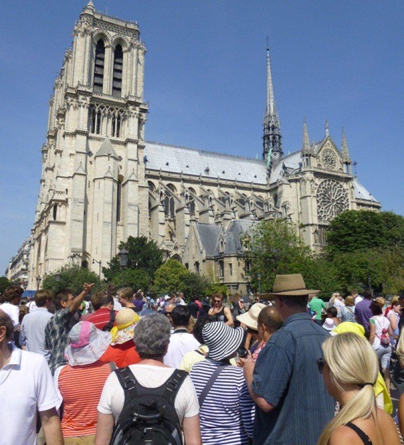 Turistas en París, el pasado mes de julio.