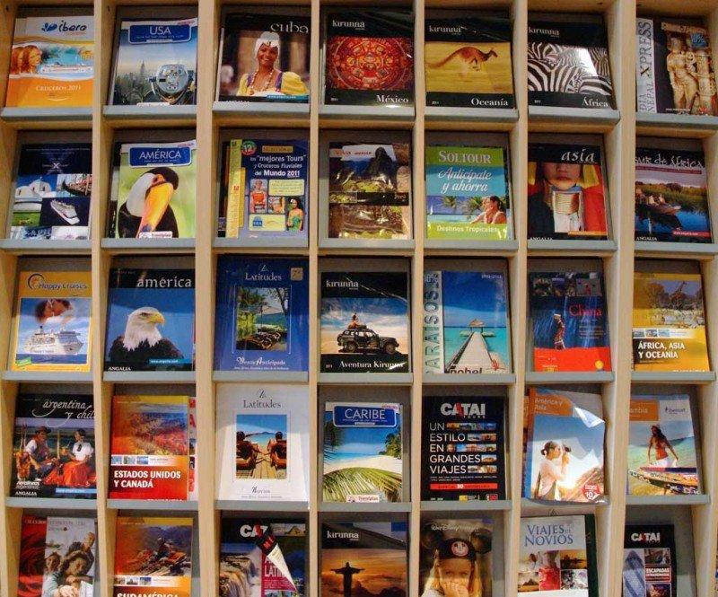 Catálogos de viajes.
