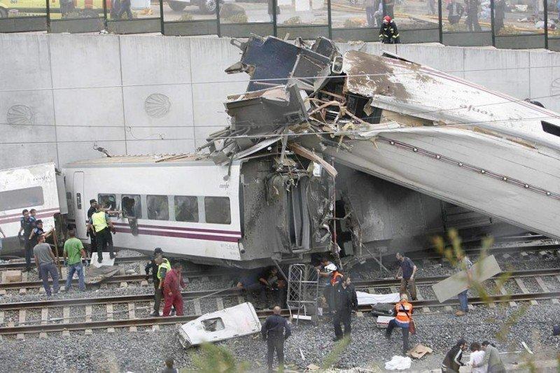 Imputan a los responsables de la seguridad en la vía por el accidente de Santiago