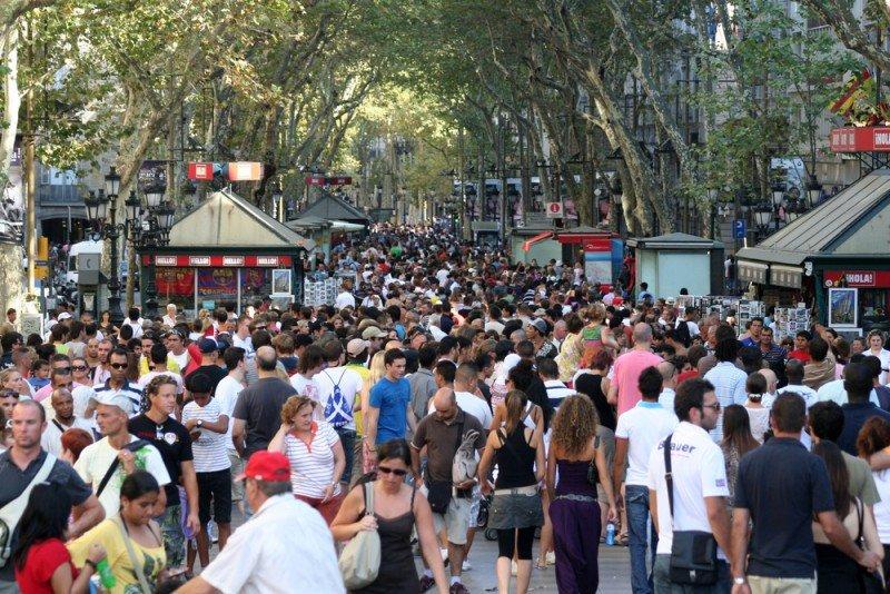 Barcelona ha registrado un incremento del 20% en las llegadas de los turistas rusos este verano. #shu# / Prometheus72.