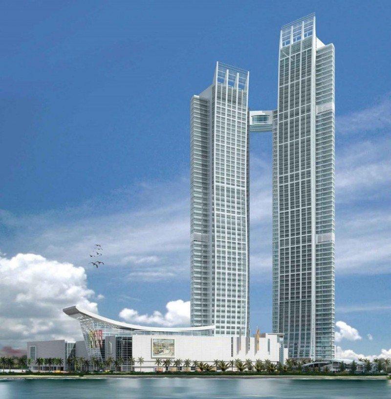 La torre más pequeña de la Nation Tower de Abu Dhabi alberga un St. Regis entre las plantas 33 y 49.