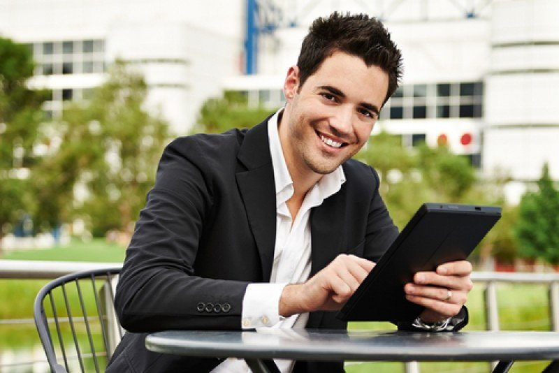 Los viajeros de negocios jóvenes están más dispuestos a añadir días de ocio a sus desplazamientos de trabajo. #shu#