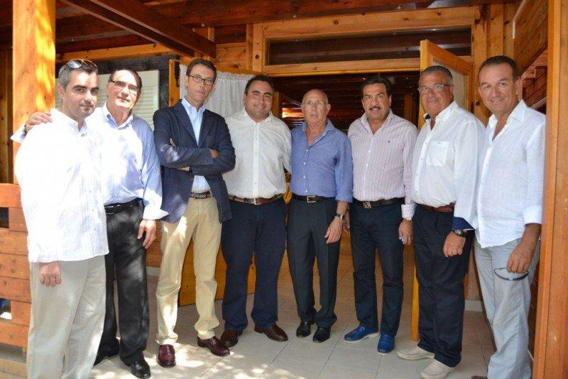 Sebastián Fernández se reunió en Oropesa del Mar con representantes de la Federación de Campings de la Comunitat Valenciana.