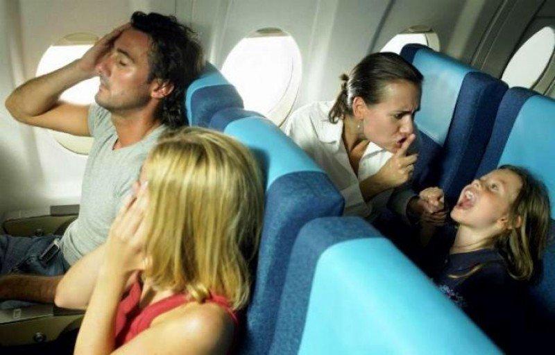 Otra aerolínea crea una zona 'libre de niños' en sus aviones