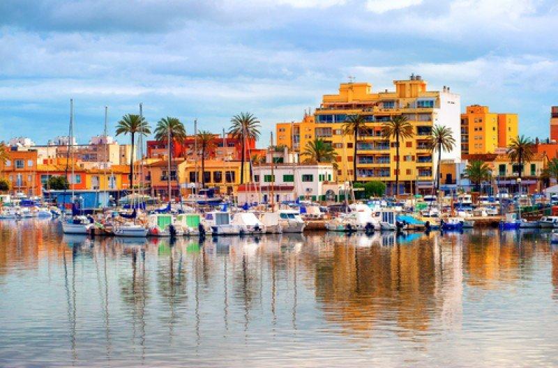 Apartamentos frente al mar en Palma de Mallorca. #shu#