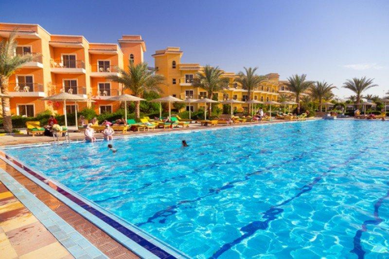 Complejo hotelero en Hurghada, en la costa del Mar Rojo de Egipto. #shu#