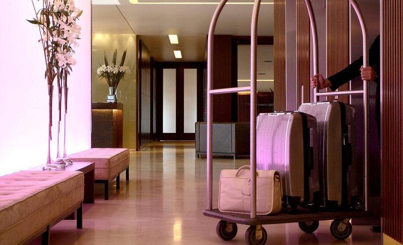 Hoteles, restaurantes y transporte de pasajeros los rubros que más trabajo generan.