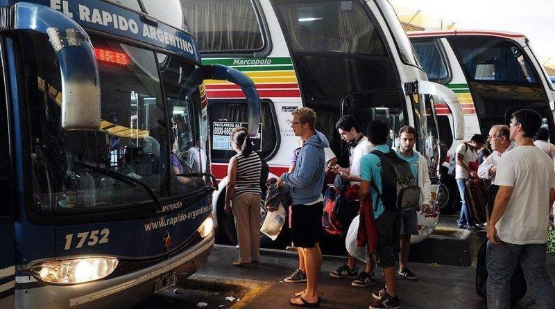 Impedirán ingreso y salida de micros de la terminal de Retiro y Liniers.