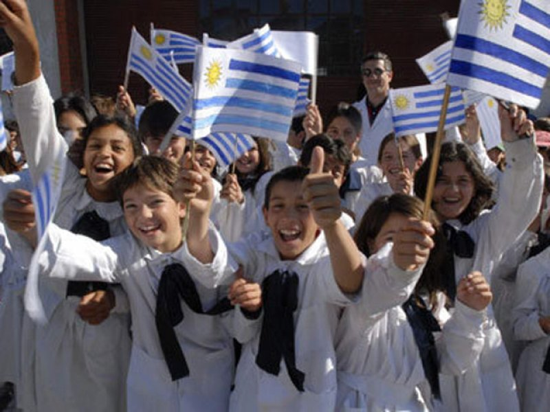 Vacaciones de primavera están en duda para la educación pública en Uruguay