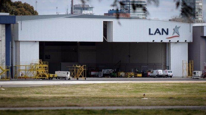 Hoy se cumplía el plazo para que LAN abandone Aeroparque.
