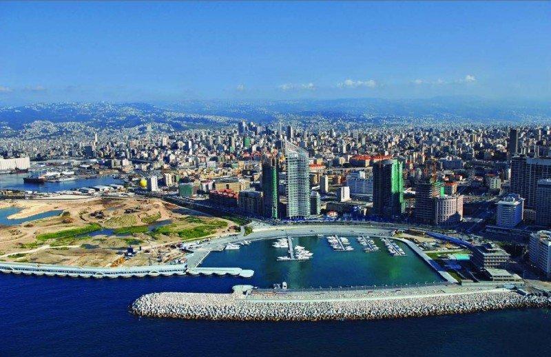El Ministerio de Exteriores pide a los españoles que viajen a Líbano que contacten con la embajada de Beirut.