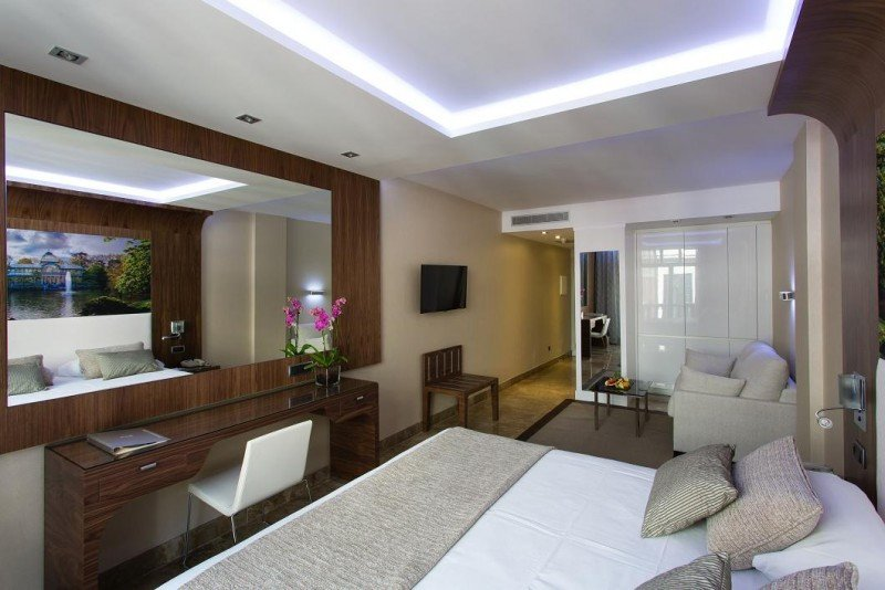 Las nuevas habitaciones cuentan, entre otros servicios, con wifi gratuito y un equipo de sonido controlable desde dispositivos móviles a través de bluetooth.