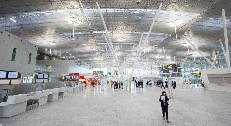 El Aeropuerto de Santiago será un gran receptor del turismo internacional a Galicia y los de Vigo y La Coruña se centrarán en pasajeros de negocios.
