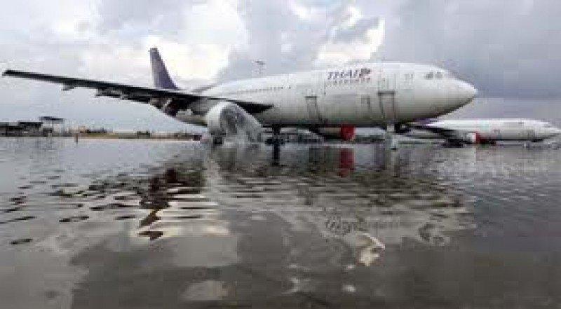 Un avión de Thai Airways se salió de la pista cuando intentaba aterrizar.