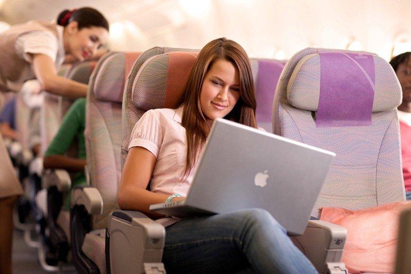 La aerolínea Emirates ya ofrece conexión wifi a bordo de sus aviones A380.