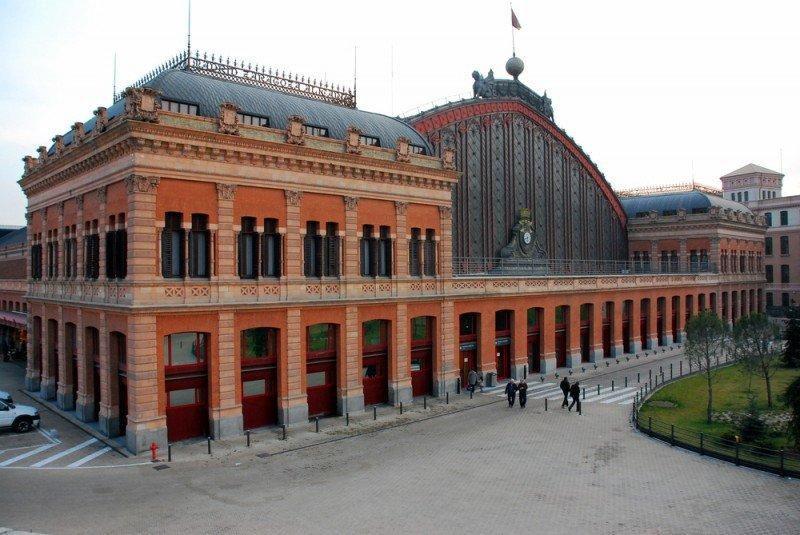 El tercer hotel de la cadena Ayre en Madrid se encuentra situado a sólo unos metros de la estación de Atocha. #shu#