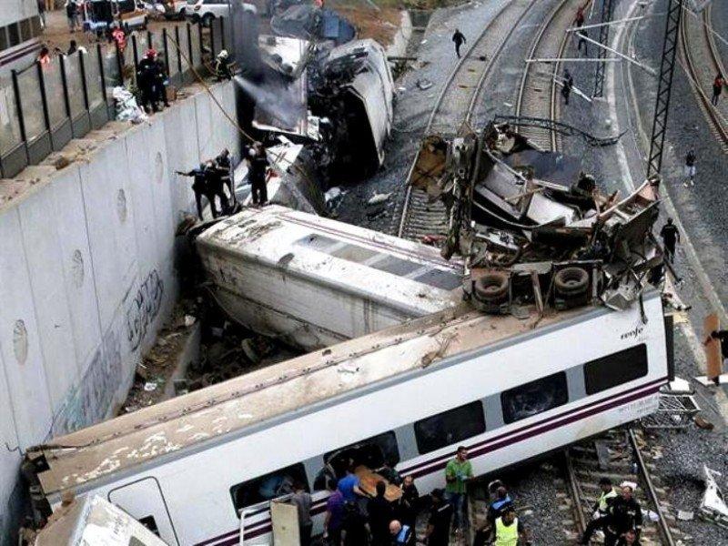 Imputan a cinco cargos de Adif por el accidente de tren en Santiago