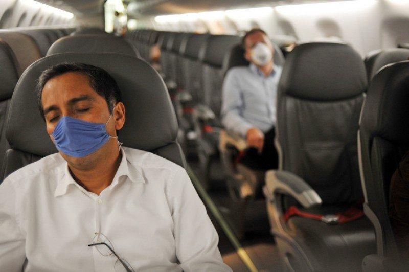 Aerolíneas cobran recargo por oxígeno a enfermos respiratorios