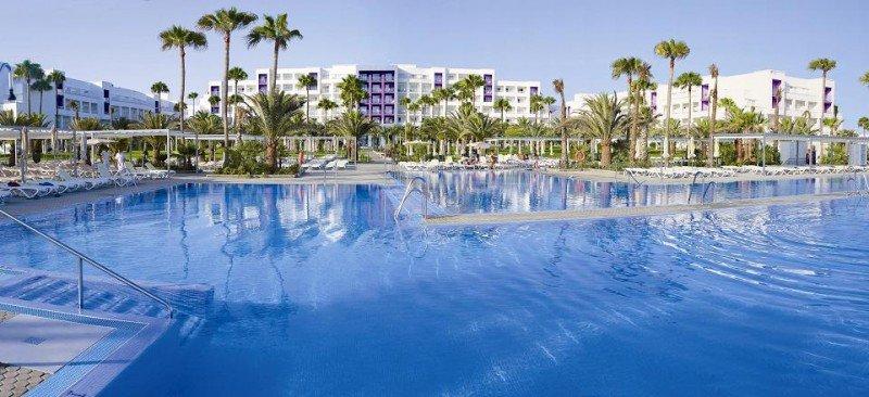 Riu dispondrá de 1.768 nuevas habitaciones de aquí a 2015 en cuatro hoteles. En la imagen el ClubHotel Riu Gran Canaria, reabierto tras una completa reforma de sus instalaciones.