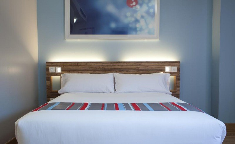 El hotel estrena una nueva imagen que progresivamente se irá implantando en el resto de sus 500 establecimientos.