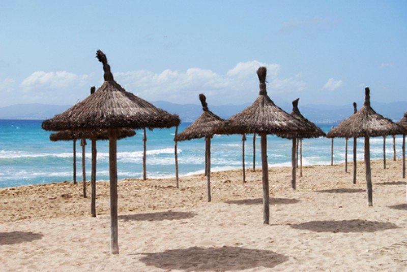 Al finalizar el verano, la temporada turística se acaba de golpe en buena parte de Baleares. #shu#