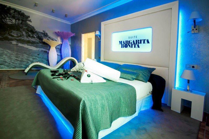 Suite Margarita Bonita en el Sallés Hotel and Spa Cala del Pi de Platja d'Aro, Girona.
