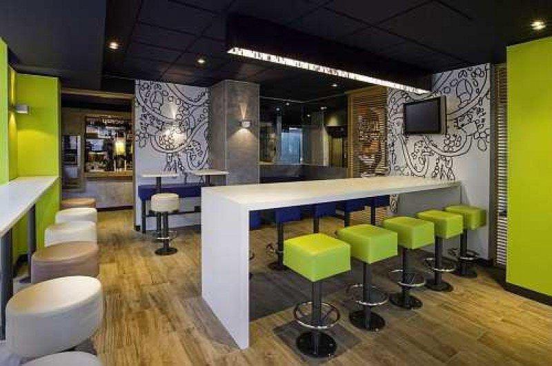 La nueva imagen de los hoteles Ibis ya está presente en 1.500 establecimientos. En la foto, el Ibis Budget Madrid Valentín Beato.