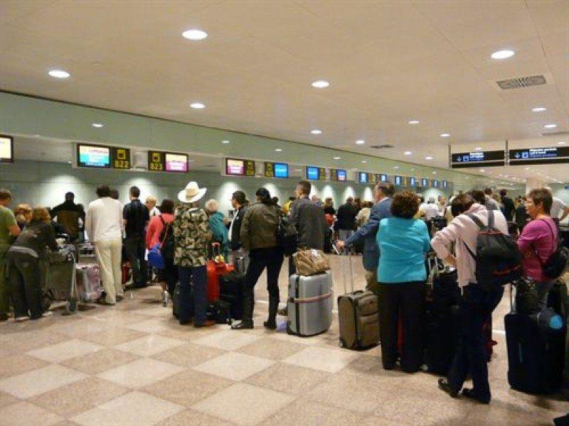 Sin carros portaequipajes en el Aeropuerto de Barcelona -El Prat