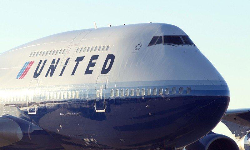 Un piloto de United Airlines sufre un infarto en pleno vuelo