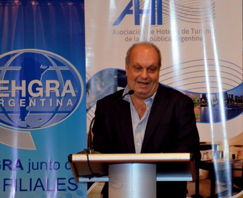 Hernán Lombardi, durante el acto inaugural de HOTELGA 2013.