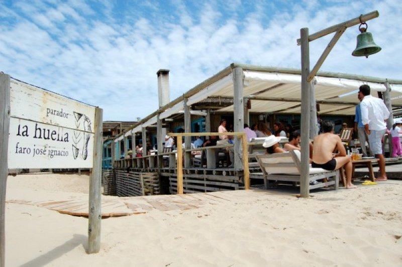 La Huella, en José Ignacio, fue distinguido como el mejor de Uruguay y está 20 en la lista de los top 50