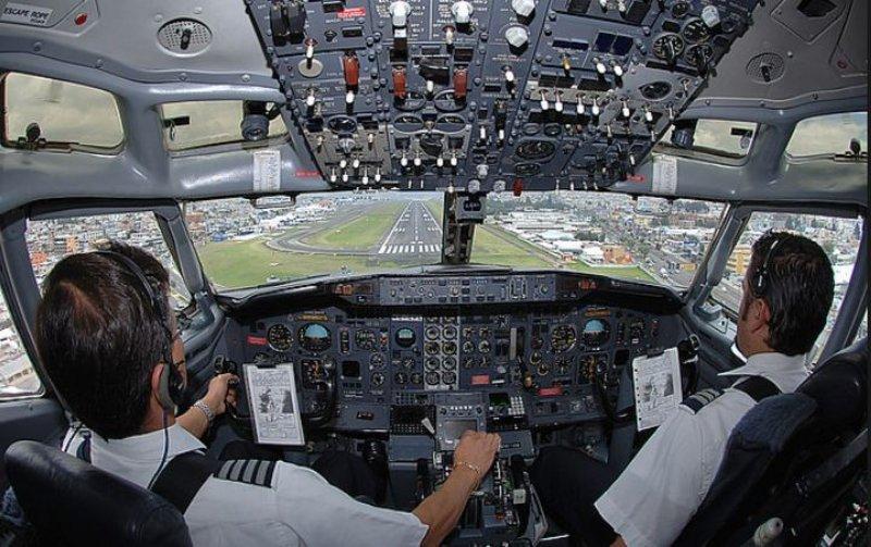 Hay pilotos de Avianca que cobrar un 40% menos que en otras compañías, según los gremios.