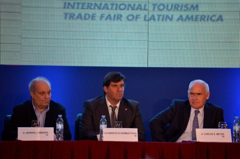 Conectividad e impuestos entre los temas presentes en la apertura de FIT