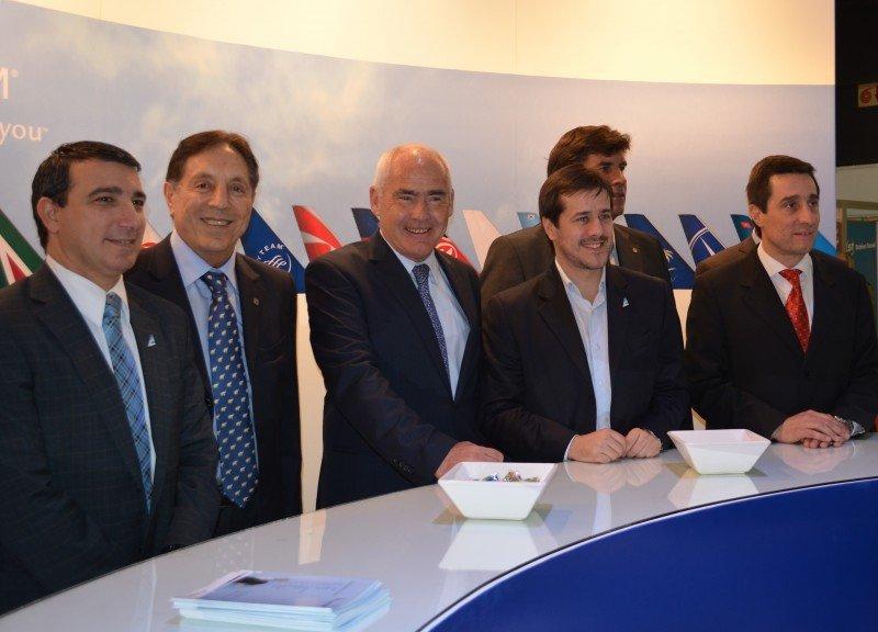 En la inauguración del stand de Aerolíneas Argentinas y Skyteam.