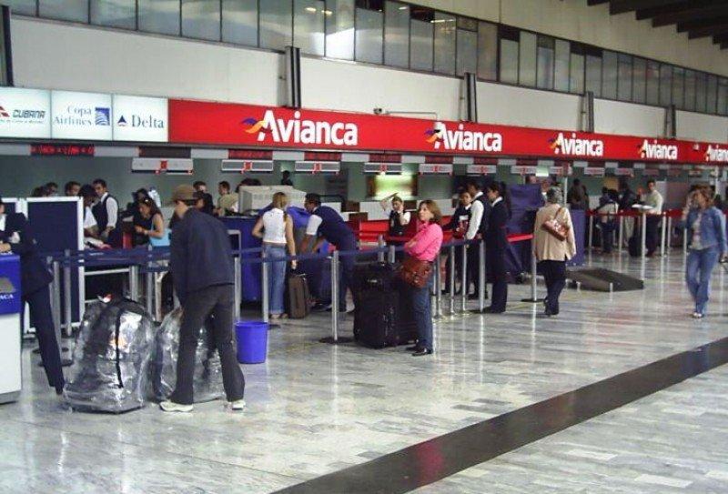 Avianca cancela 29 vuelos en Colombia en cuarto día de protesta de pilotos