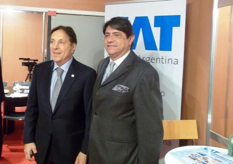Oscar Ghezzi, presidente de la CAT, y Carlos Canales, titular de Canatur de Perú