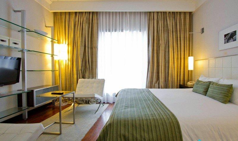 Turistas no residentes se inclinaron hacia hoteles de cuatro y cinco estrellas.