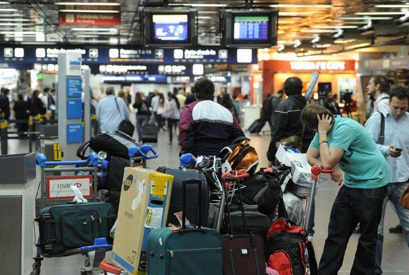 La medida afecta a todas las compañías que operan en Aeroparque salvo Aerolíneas Argentinas.