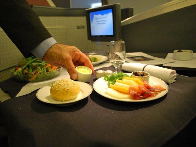 Catering de aerolíneas afectado por conflicto en Montevideo
