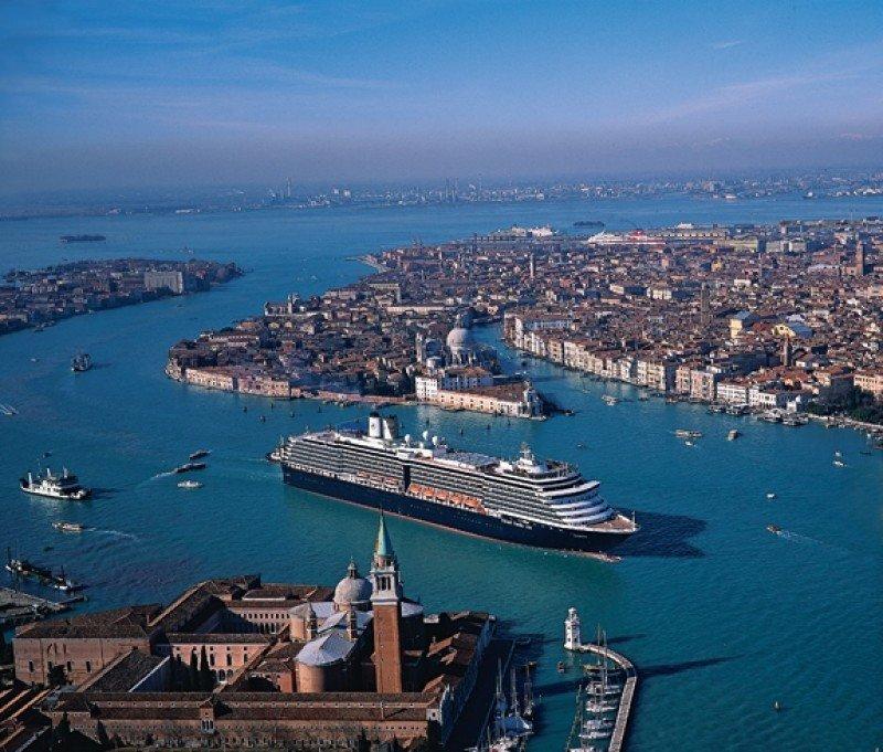 MedCruise pide mantener la actividad de cruceros en Venecia