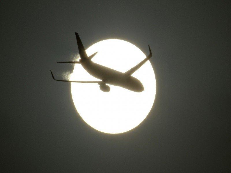 Canarias retoma el proyecto de una aerolínea propia