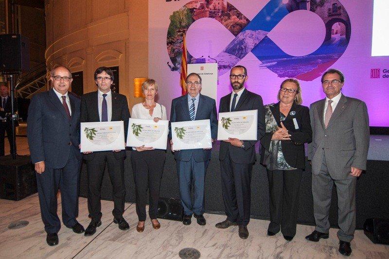 Los premiados con Artur Mas, presidente de la Generalitat.