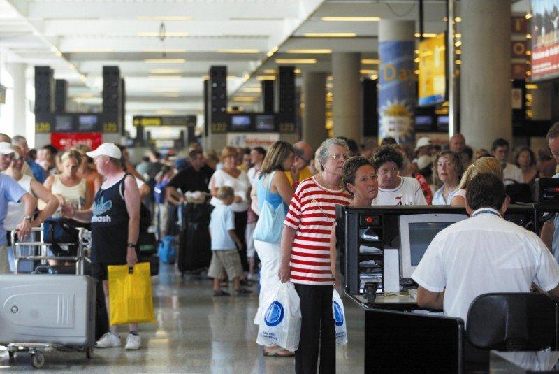 Ya pasó el trimestre de mayor tráfico de pasajeros y la red Aena acumula una caída del 5,1%.