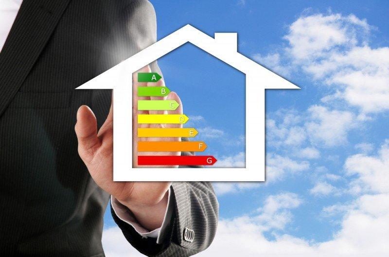 Las medidas de eficiencia energética permiten reducir el gasto de energía, las emisiones de CO2 y los costes. #shu#