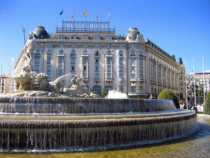 Los precios hoteleros caen un 10% en España en octubre